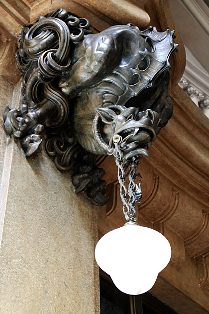 art-nouveau-Lamp-draak-Dante-Palacio-Barolo-Buenos-Aires