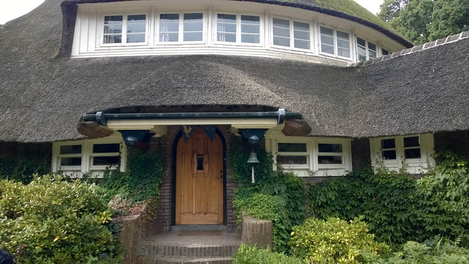 Entree landhuis 't Reigersnest in Oostvoorne bouwstijl Amsterdamse School architecten Vorkink en Wormser